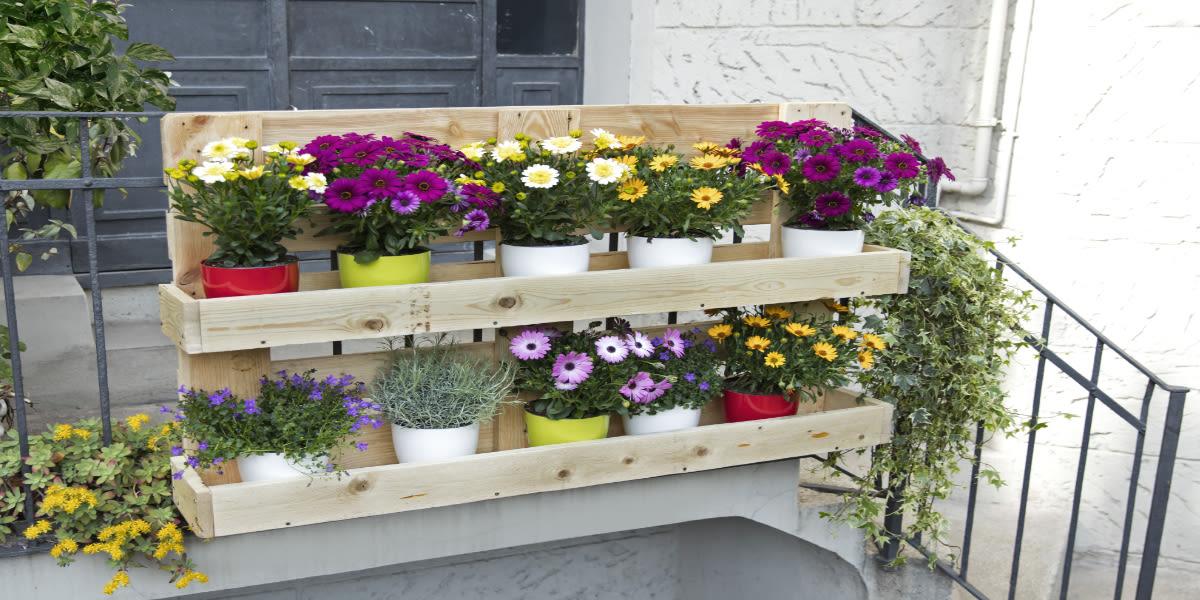 Fioriere con bancali di legno df05 regardsdefemmes - Recinzione terrazzo ...