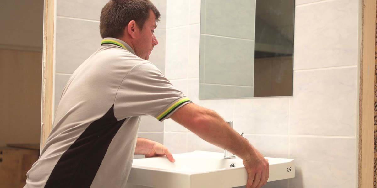 Sostituire-lavandino-con-mobile-bagno
