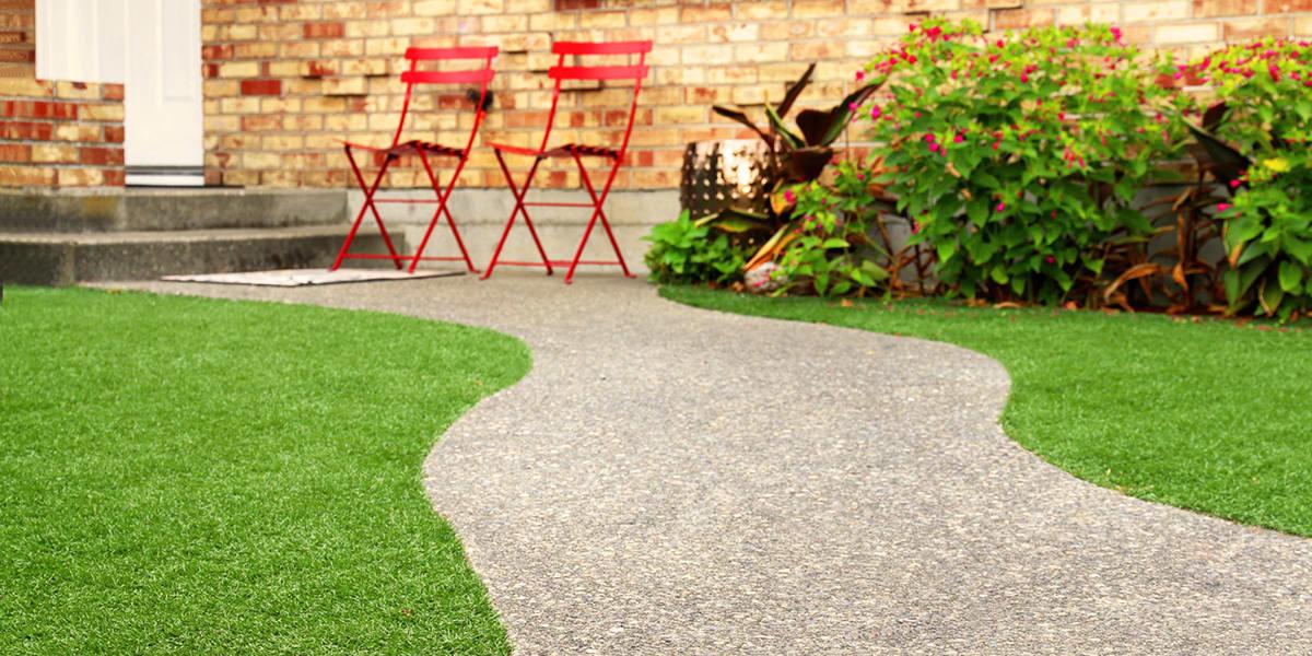 posare-un-prato-sintetico-in-giardino-o-in-terrazzo