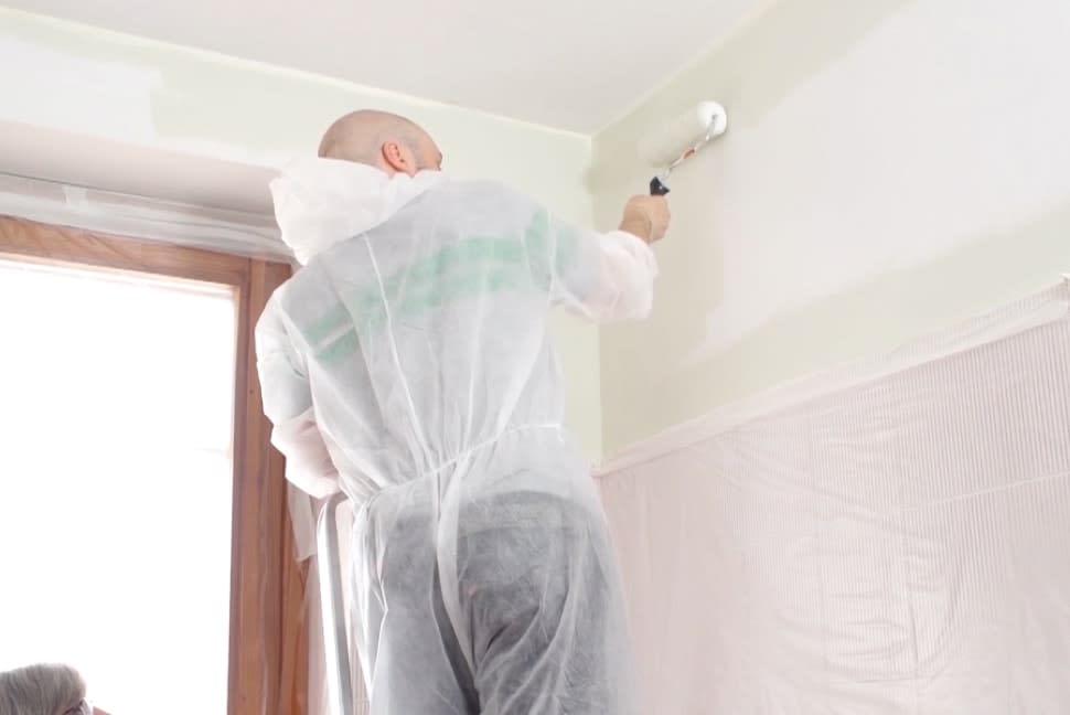 imbiancare-soffitto-e-pareti