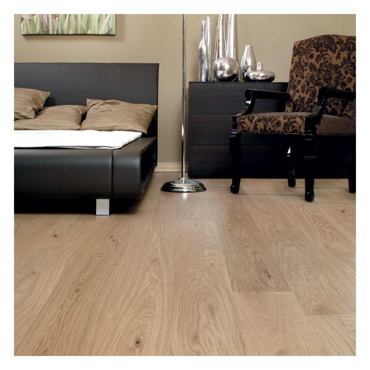 Simple pavimenti e supportato prefinito rovere class miele - Bagno in un metro quadro ...