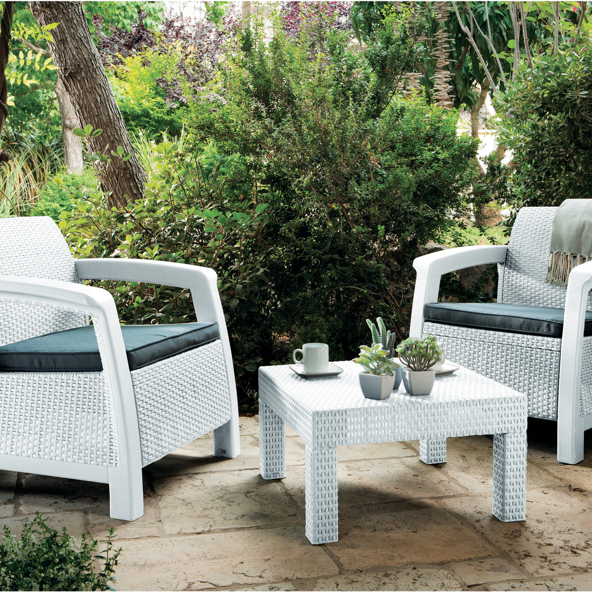 Arredare giardini angolo pranzo in giardino with arredare - Piastrelle plastica giardino leroy merlin ...