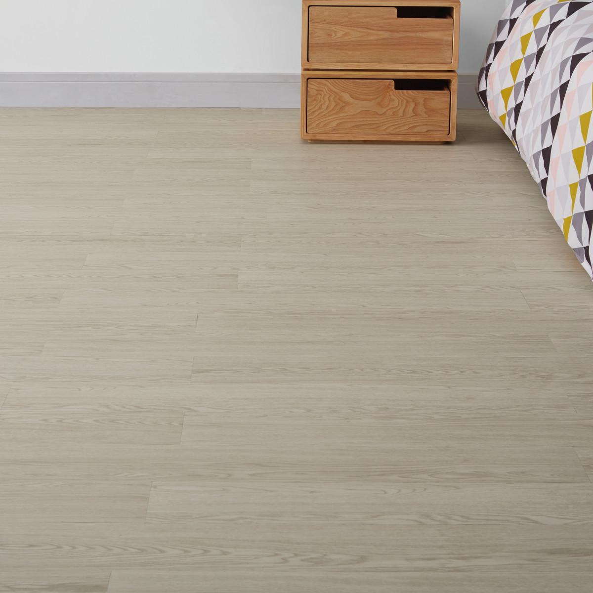 Pavimenti in pvc effetto legno prezzi interesting for Piastrelle linoleum bagno