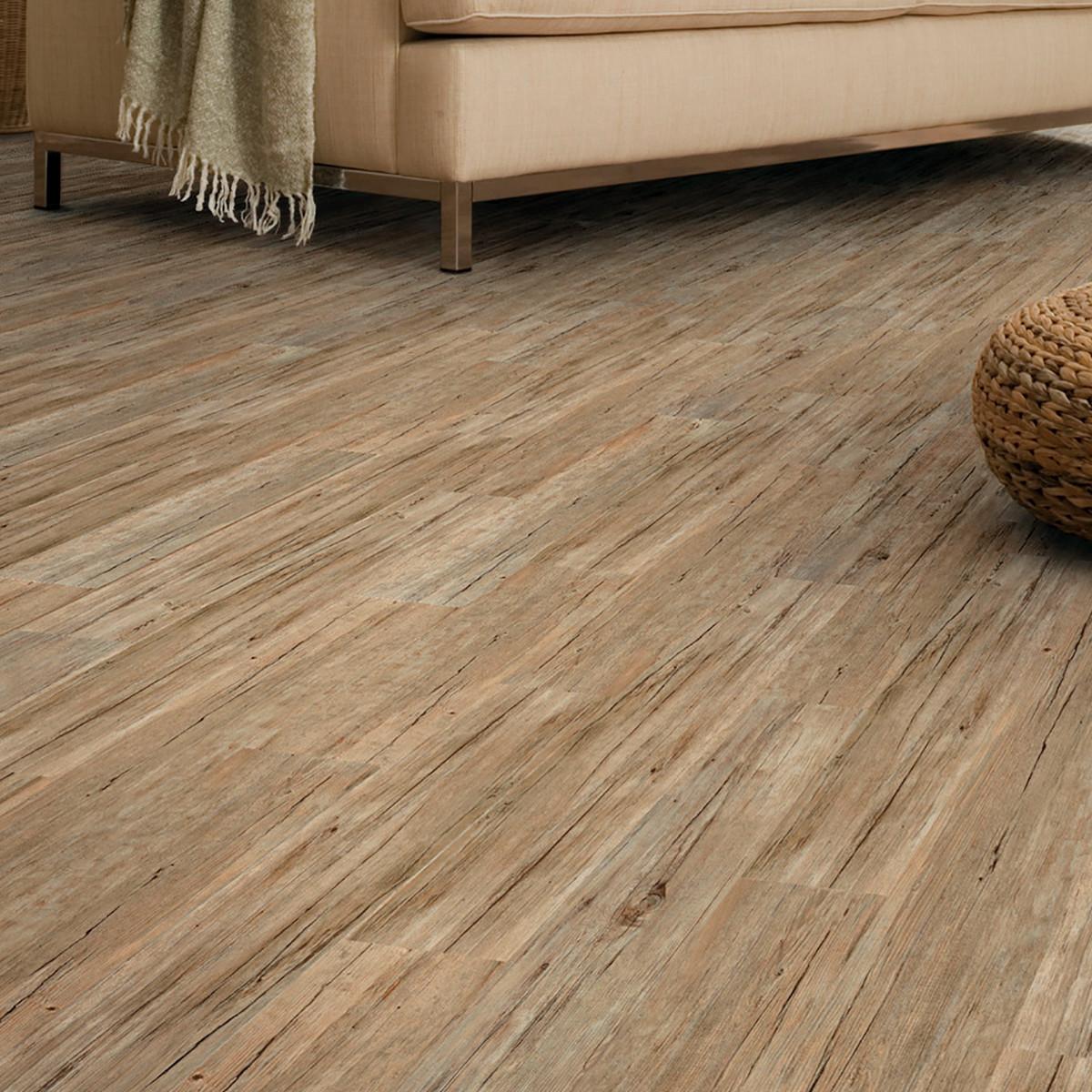 Idee pavimenti casa il parquet laminato nel soggiorno for Costo per livellare il pavimento in casa