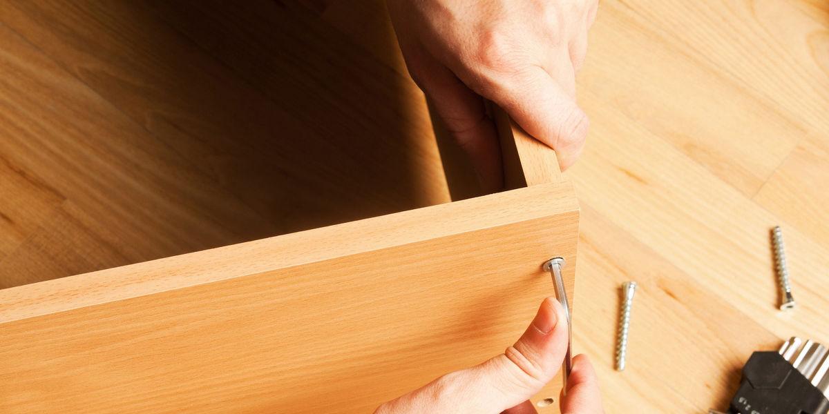Costruire Un Mobiletto Pensile Con Ante Scorrevoli Trasparenti