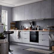 Cucina effetto metallo o cemento