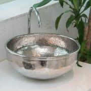 Lavabo in metallo