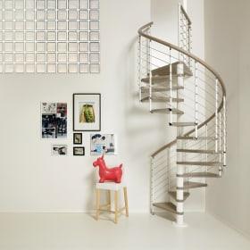 Come scegliere i colori delle scale interne