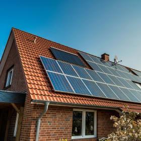 Impianto fotovoltaico: i pannelli solari, l'inverter e il contatore