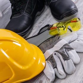 Come equipaggiarsi per tagliare la legna in sicurezza