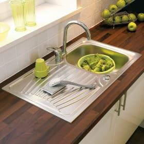 Lavello in acciaio inox per la cucina