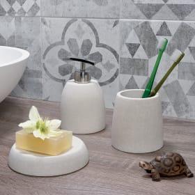 Qual è il materiale migliore per gli accessori da bagno?