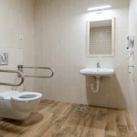 Come allestire un bagno per disabili in sicurezza: quali sono i tuoi obiettivi?
