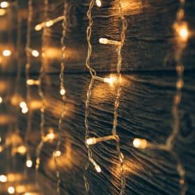 Luci natalizie: meglio classiche o a LED