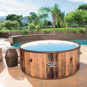 Vasche idromassaggio da esterno: accessori utili