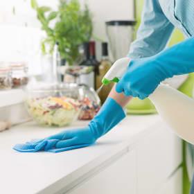 Come pulire i mobili della cucina