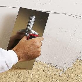 Composizione: stucchi in pasta o in polvere