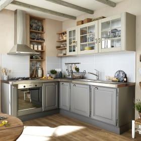 Rinnovare i mobili vecchi della cucina con la vernice per mobili