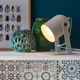 Materiale e colore delle lampade da appoggio
