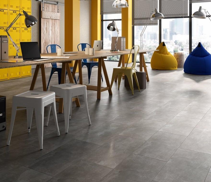 Living - Vinilico effetto pietra nello spazio di lavoro