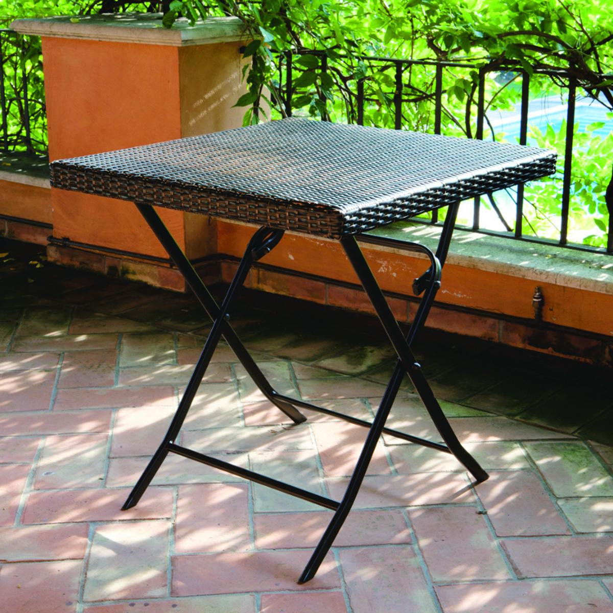 Tavoli con sedie plastificati con rattan for Offerte tavoli da esterno