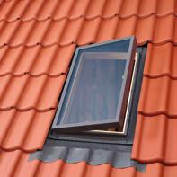 Lucernario VELUX VLT 024 1000 manuale L 90 x H 48 cm pino