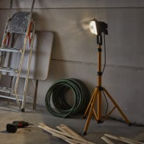 Proiettore con treppiede Brenta MAX500W nero