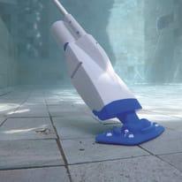 Pulitore a batteria per piscina BESTWAY 2 m³/h