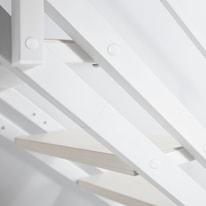 Scala salvaspazio dritto Pop in acciaio bianco