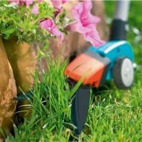 Forbici taglia erba ad una mano con maniglia ergonomico in alluminio GARDENA Comfort girevole apertura 100 mm