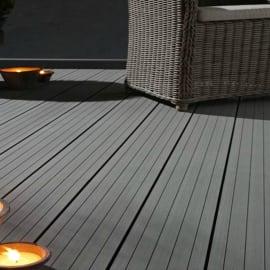 Pavimenti in legno e plastica per esterni leroy merlin for Pavimento legno esterno leroy merlin