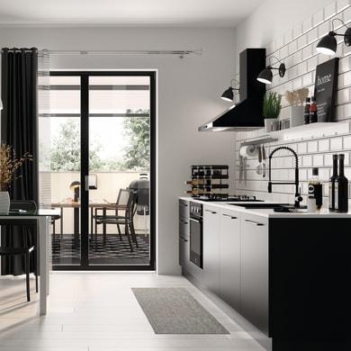 Zoccolino per mobile cucina in pvc L 300 cm x H 100 mm, spessore 14 mmnero