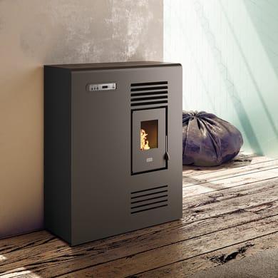 Stufa a pellet ventilata Tina Slim 4 kW nero