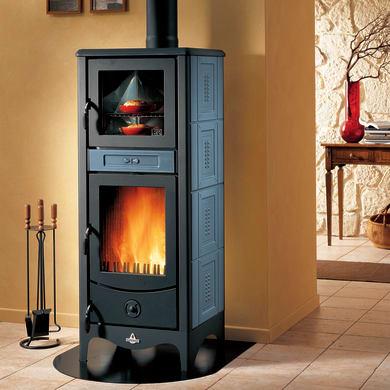 Stufa a legna con forno SUPERIOR Sara 8 kW blu