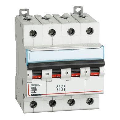Interruttore magnetotermico BTICINO BTDIN60 4P32A 6kA C 4 moduli 380V