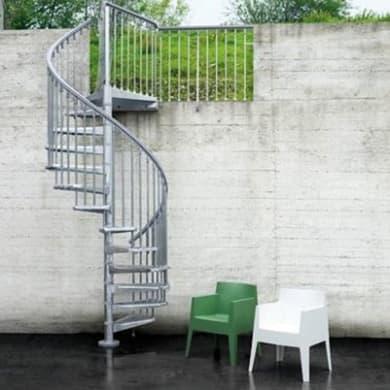 Scala a chiocciola tonda Steel Zink per esterno FONTANOT L 160 cm, gradino grigio zincato, struttura grigio zincato