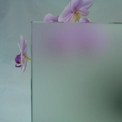 Vetro extrachiaro acidato trasparente Sp 8 mm