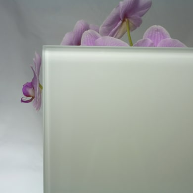 Vetro extrachiaro acidato verniciato bianco Sp 5 mm