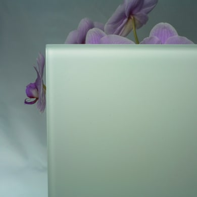 Vetro extrachiaro acidato verniciato bianco Sp 6 mm