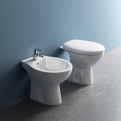 Coppia sanitari pavimento distanziato Miky New IDEAL STANDARD