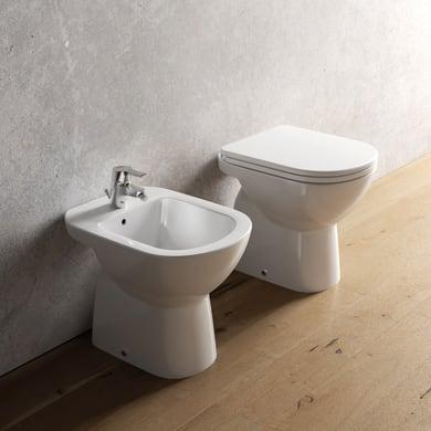 Coppia sanitari pavimento distanziato suite IDEAL STANDARD