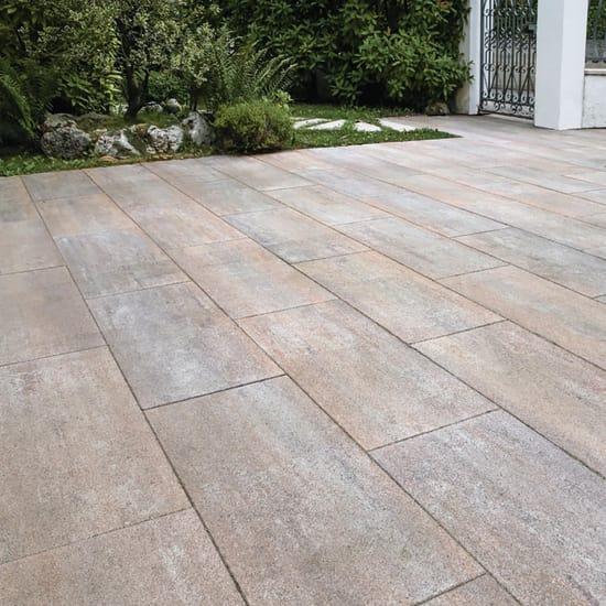 Pavimento Esterno Per Giardino.Pavimenti In Cemento E Pietra Per Esterni Prezzi E Offerte