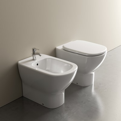 Vaso a pavimento filo muro Ideal Standard Mood scarico traslato con sedile soft close
