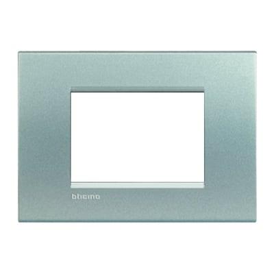 Placca BTICINO Living light 3 moduli tech