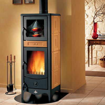 Stufa a legna con forno SUPERIOR Sara 8 kW terra oriente