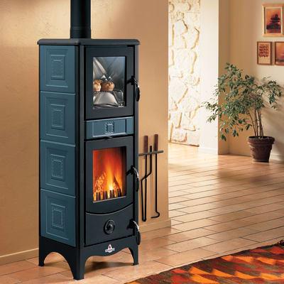 Stufa a legna con forno SUPERIOR Maddalena 6.2 kW blu