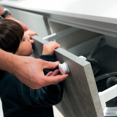 Protezione bambini per cassetto Magnetico completo in plastica / pvc Sp 60 mm