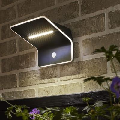 Applique Kiana LED integrato in plastica argento 4.4W 300LM IP44 INSPIRE