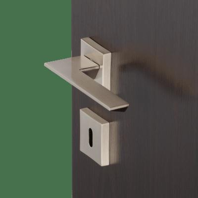 Maniglia con rosetta e bocchetta INSPIRE in alluminio spazzolato