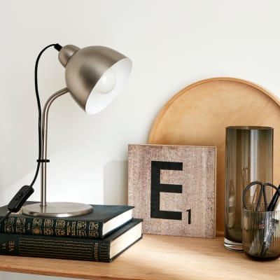 Lampada da scrivania Moderno Leo cromato opaco , in metallo, INSPIRE